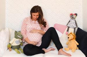 26 неделя беременности: развитие плода и ощущения женщины