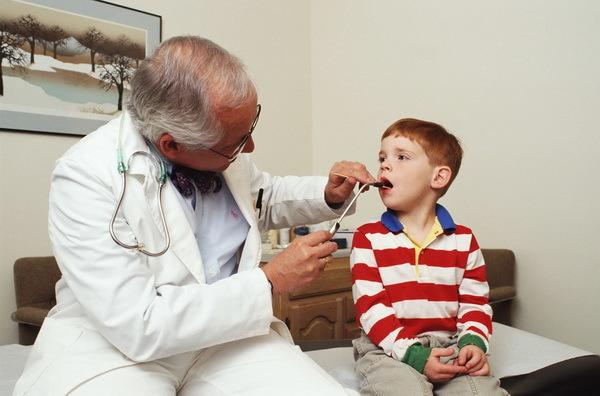 Герпетическая ангина: лечение детей и взрослых, особенности симптомов герпетической ангины у взрослых и детей