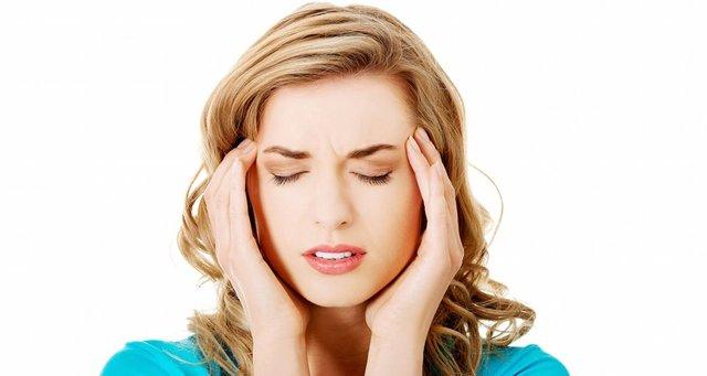 Тошнота: причины, виды тошноты, проявление тошноты в сочетании с головокружением и слабостью, эффективные методы устранения тошноты.
