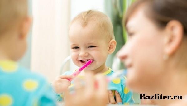 Как выбрать зубную щетку для ребенка? Разновидности детских щеток