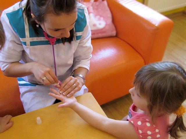 Низкий гемоглобин у ребенка: что делать, как повысить гемоглобин, последствия анемии