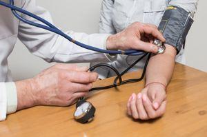 Алкогольный гепатит: симптомы, лечение, сколько с ним живут, заразен или нет