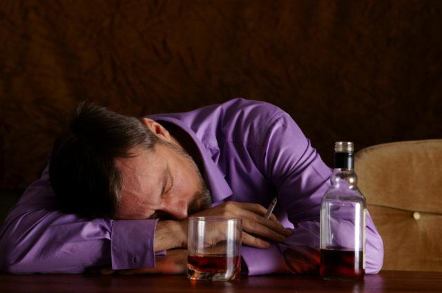 Алкогольная эпилепсия: симптомы, приступы, лечение, причины и последствия