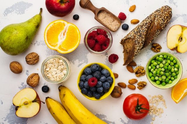 Какие продукты понижают давление: диета при гипертонии и правила питания при повышенном давлении