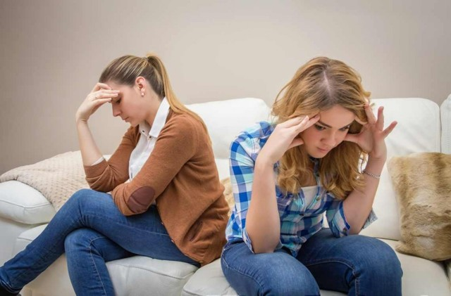 Конфликты подростков со сверстниками, родителями, учителями в школе: как разрешить