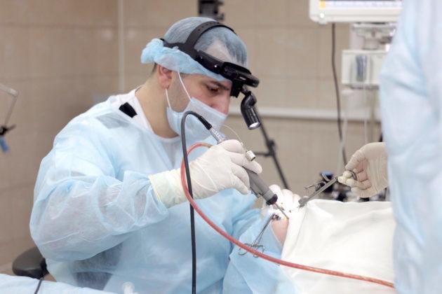 Нужно ли удалять аденоиды у детей, как удаляют аденоиды: операция, лазер