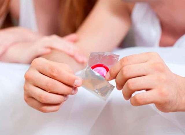 Можно ли заразиться ВИЧ через слюну с кровью, при поцелуе, сигарету