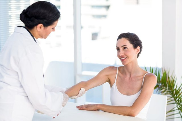 Анальный зуд: симптомы и лечение, причины зуда в анальном отверстии