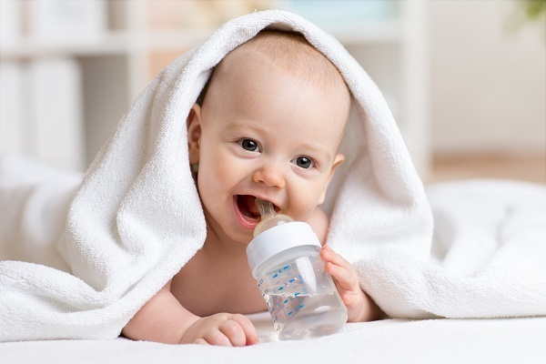 Искусственное вскармливание новорожденных: режим, выбор смеси для искусственного вскармливания