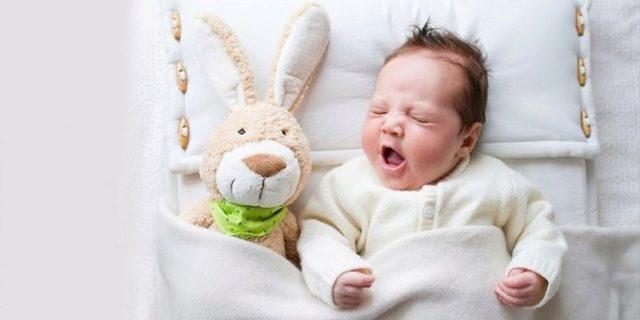 Сон новорожденного: можно ли новорожденному спать на животе, на спине, на боку
