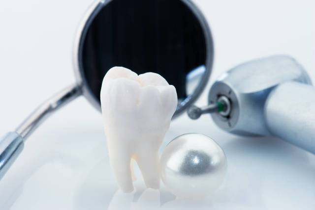 Может закладывать мышьяк детям стоматолог при лечении зубов?